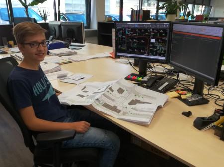 Markus ist bereits mitten drinnen in der Lehre als Technischer Zeichner bei emc!